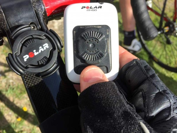 polar-m450-gps-cycling-computer-adjustable-mount-01